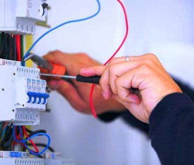 Choisir un bon électricien : quelques astuces pour vous aider